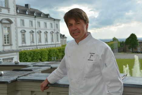 Joachim Wissler beim Champagnerempfang auf der Belle Etage des Schloßhotels Bensberg