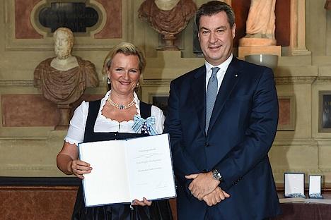 Angela Inselkammer und Markus Söder. Beispiel für eine positive Zusammenarbeit zwischen Politik und Wirtschaft