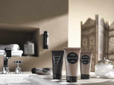Orientalisches Verwöhnprogramm zur Körperpflege im Hotelbad und Wellness-Bereich: das neue HAMMAM SPA von ADA Cosmetics