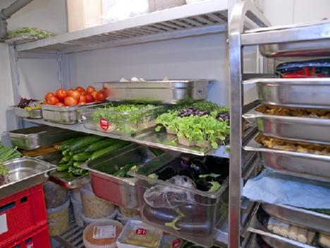 Fachgerechte Lagerung von Lebensmitteln in einer Kühlzelle